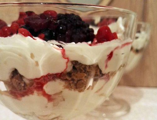 Gyümölcsös túrókrém kehelyben – desszert 10 perc alatt!